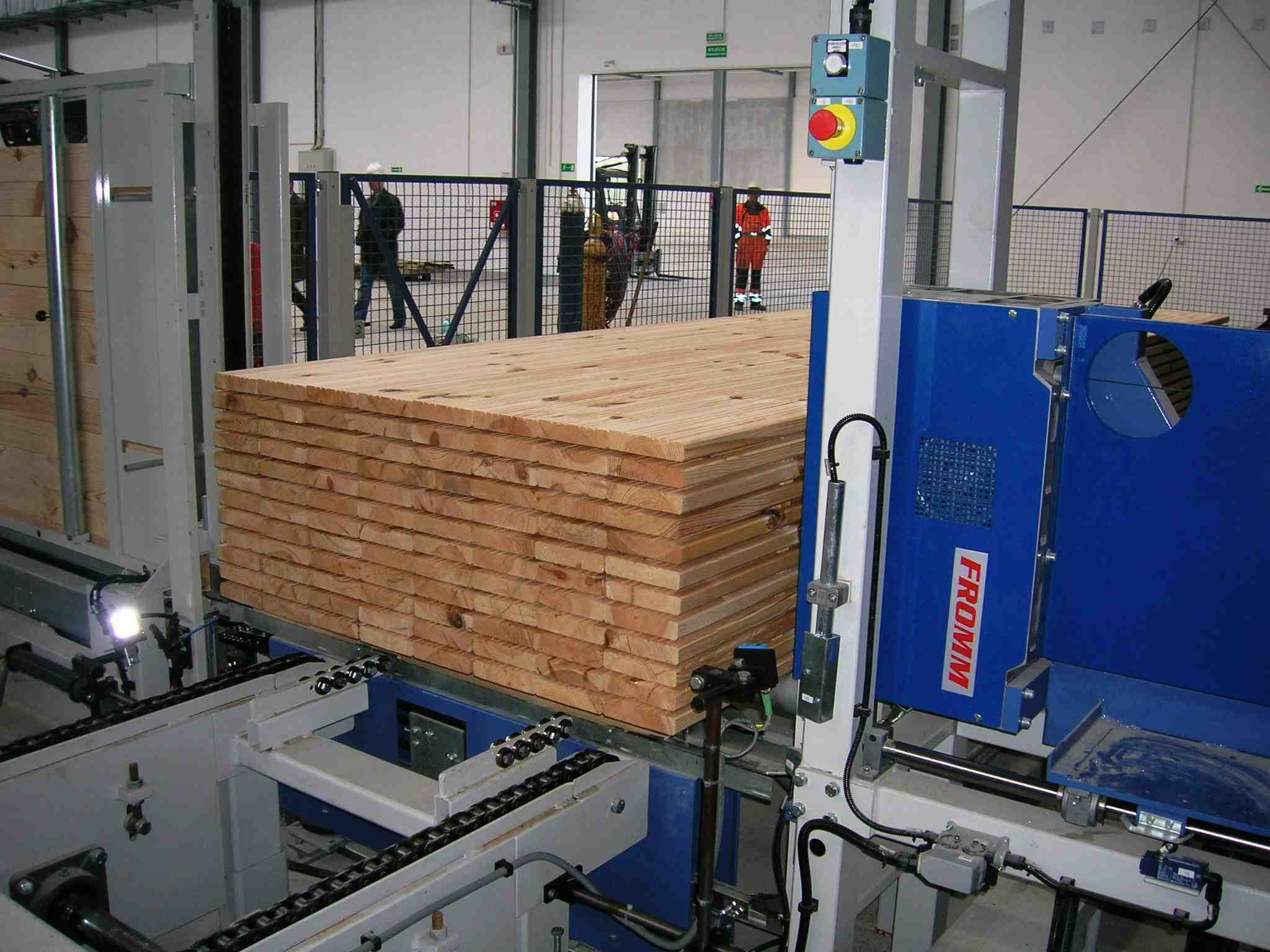 Automated strapping machine
